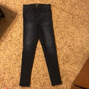 Abercrombie & Fitch (sz 6) Super High Rise jeans